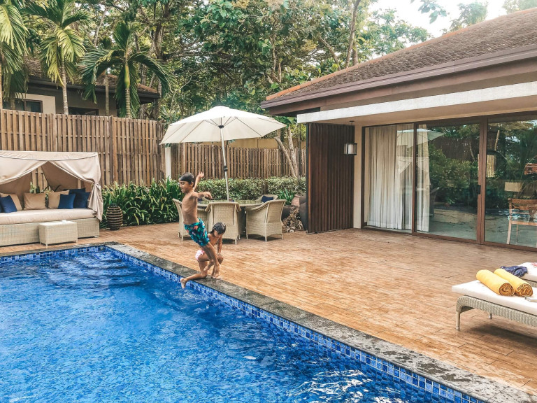 Anantara Peace Haven villa pool
