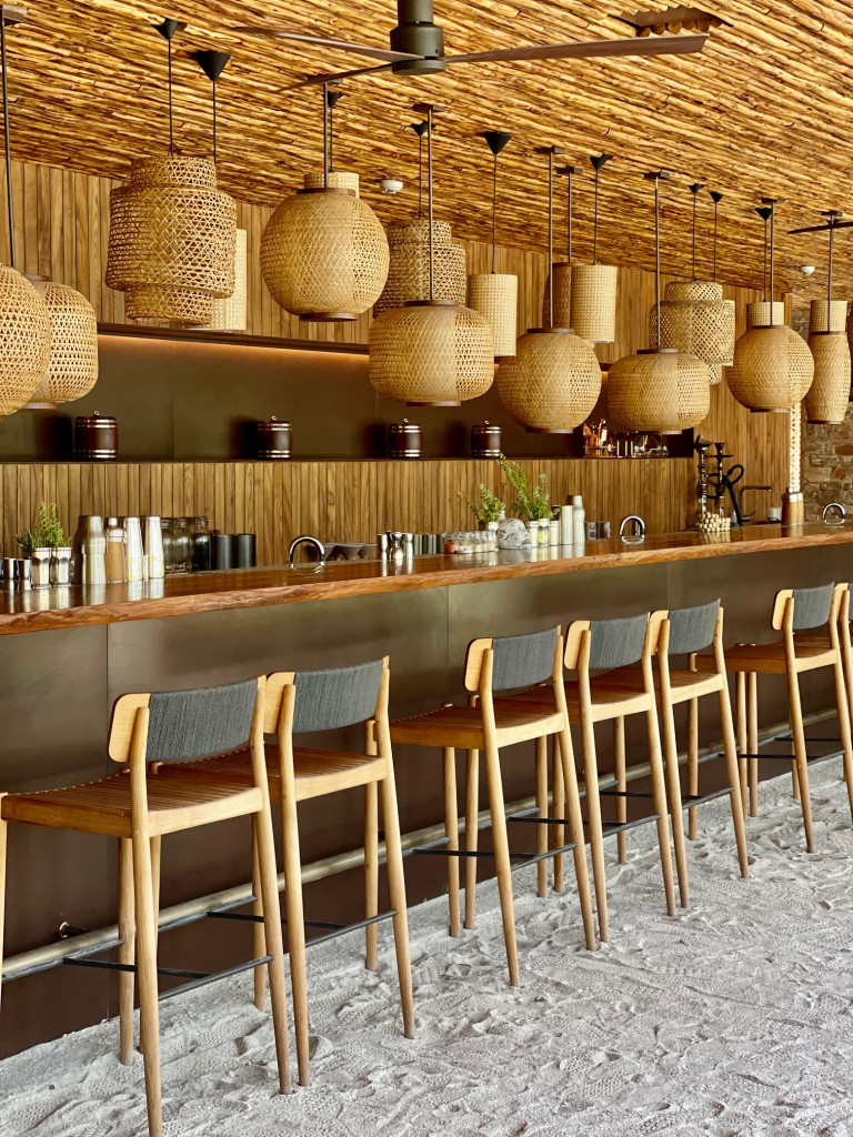 Fari Island Marina Bar