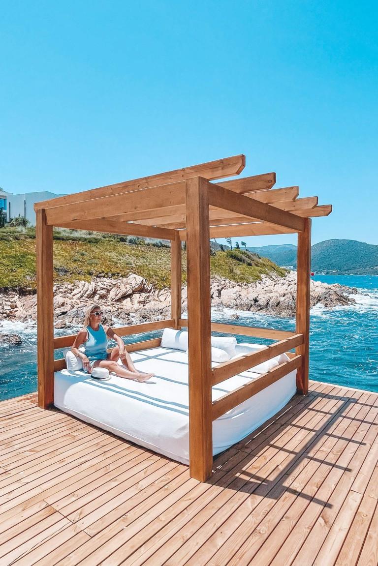 Frankie Beach deck