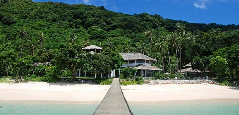 AriaraIsland-Calamian-Islands-Beach