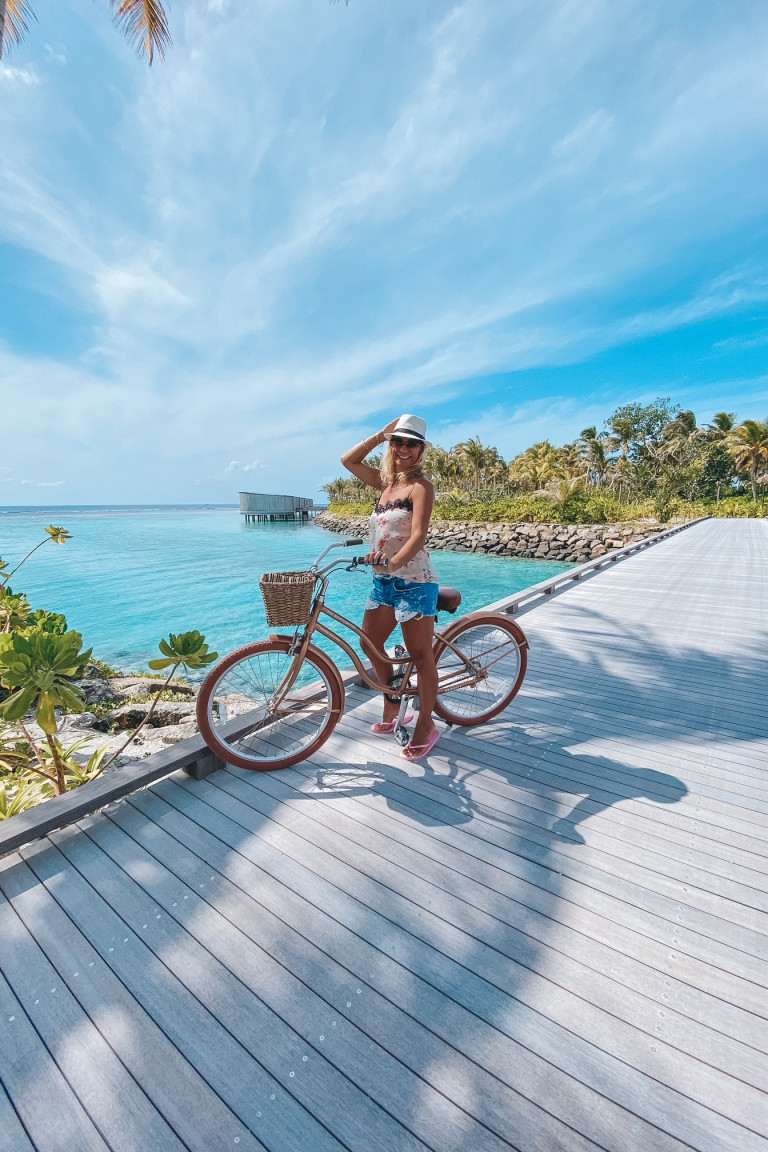 Cycling around Ritz Carlton Fari Islands
