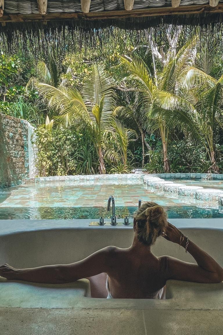 Soneva Fushi Bath vibes