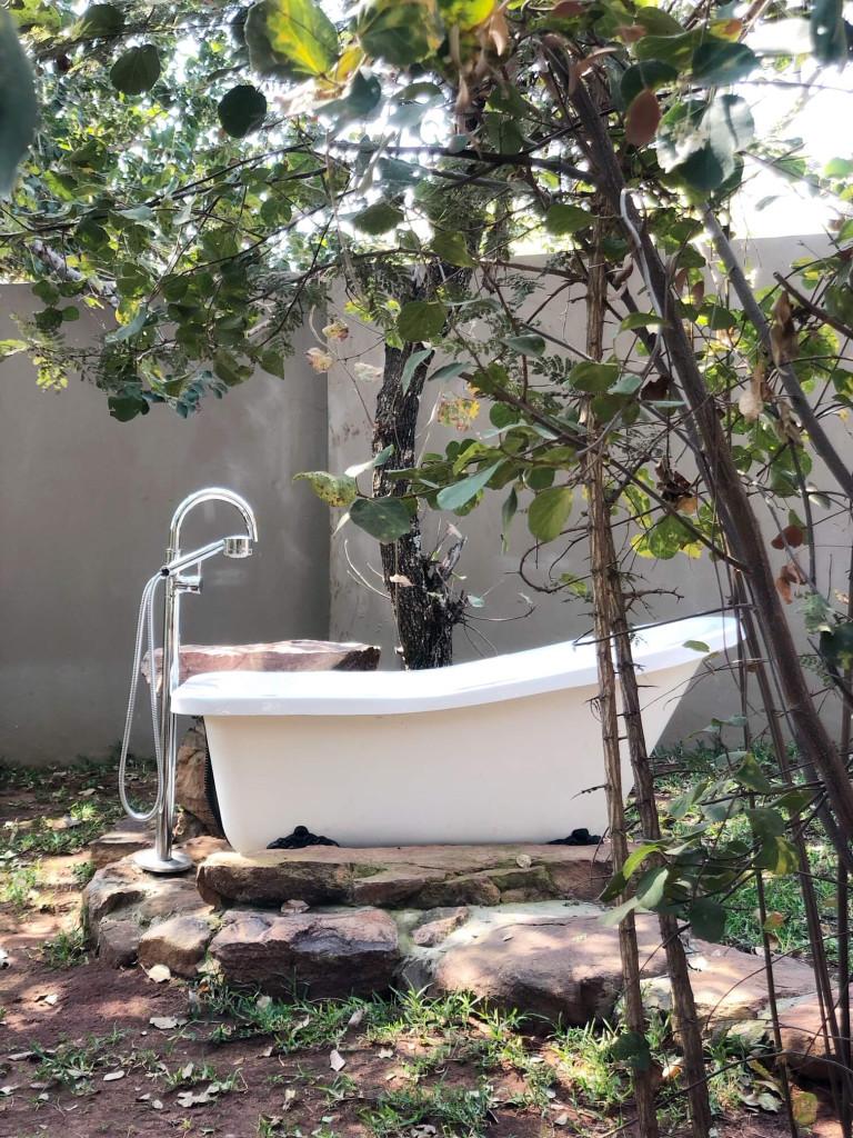 2 bedroom outdoor bath