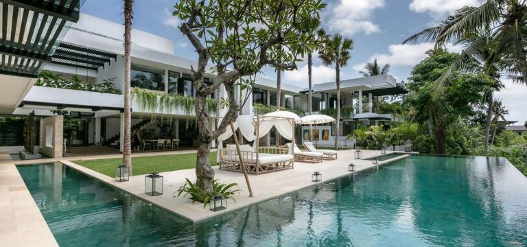 Lead villa