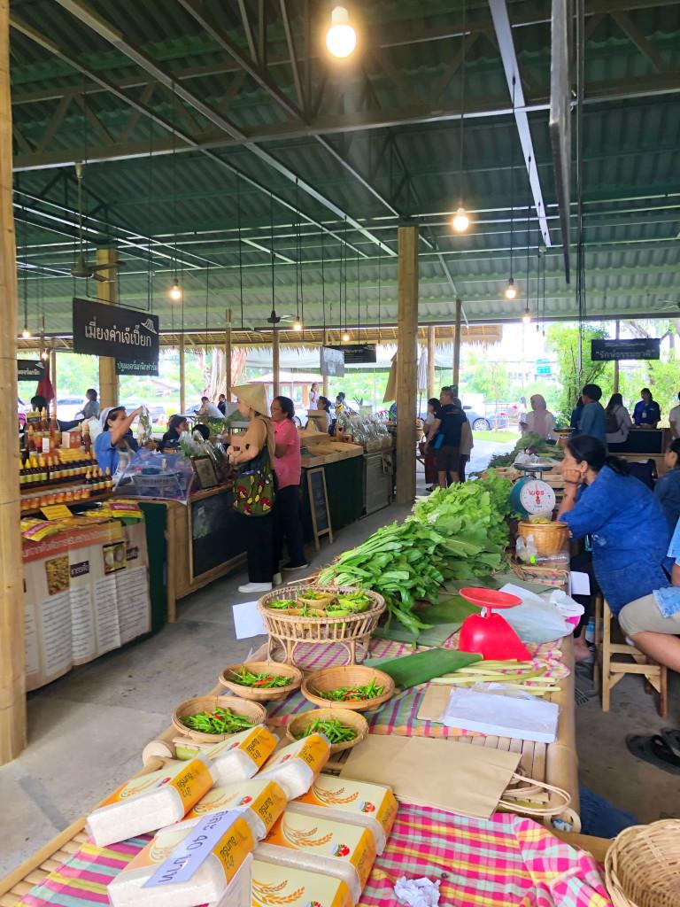 Organic Market Rose Garden