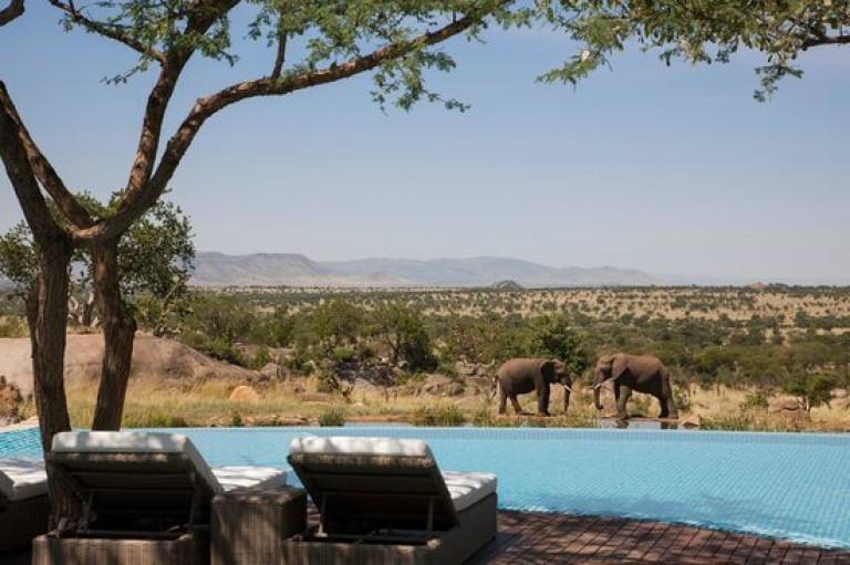 four-seasons-safari-lodge