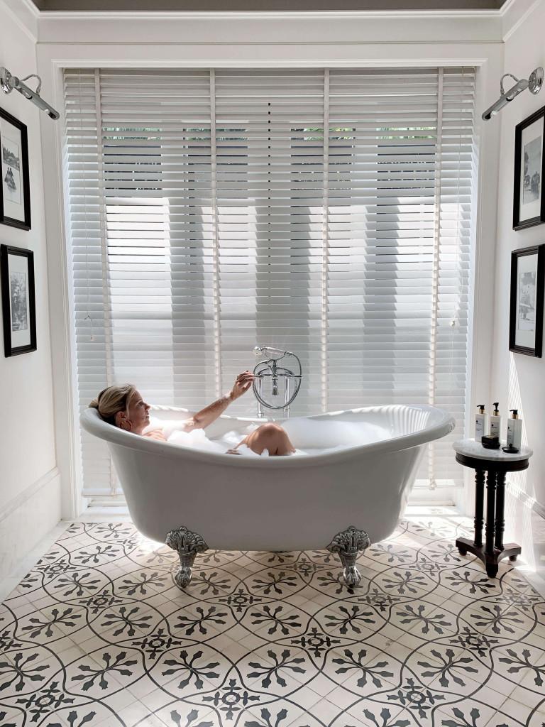 137 Pillars Bathroom goals