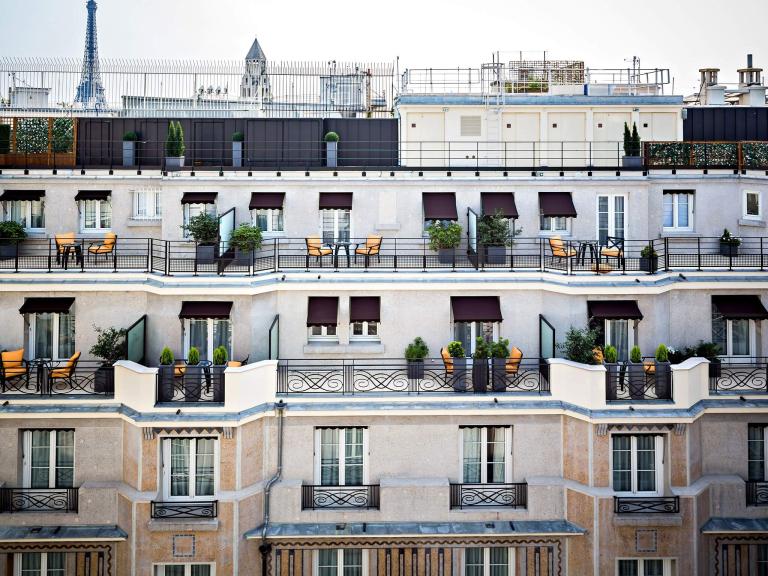 Exterior1-PrincedeGalles-Paris-CRHotel