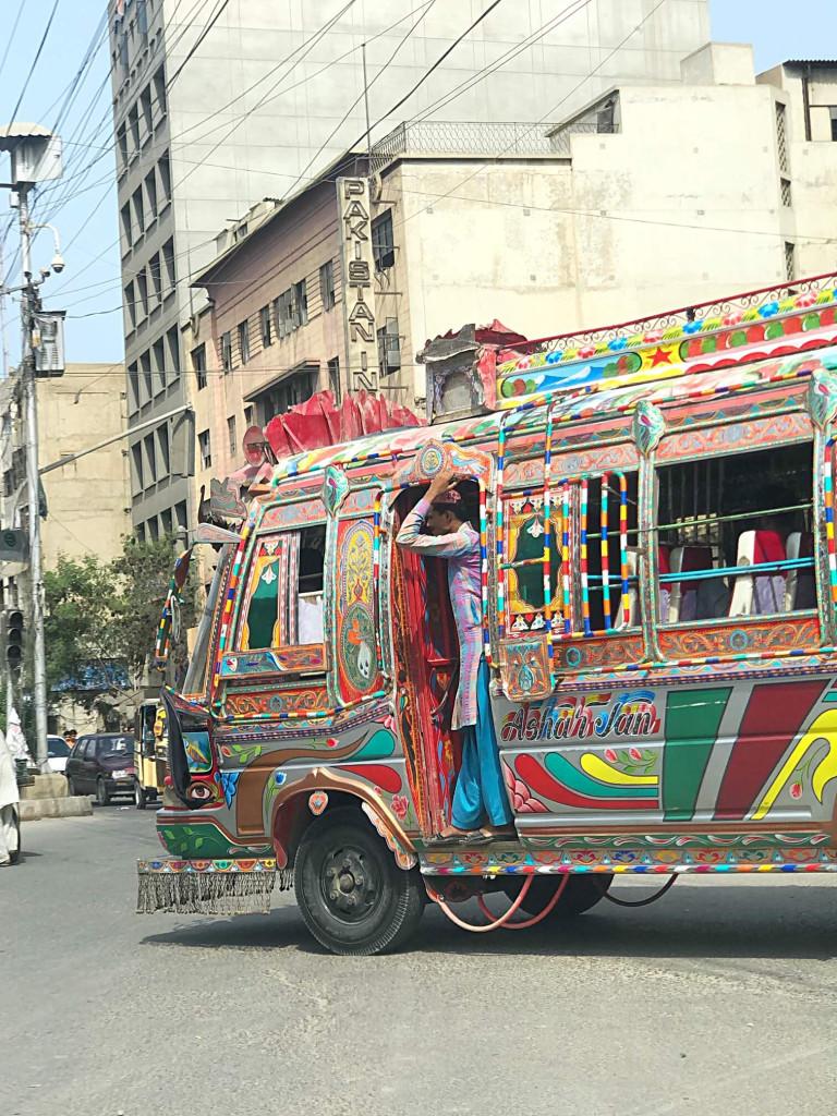 Bus Karachi