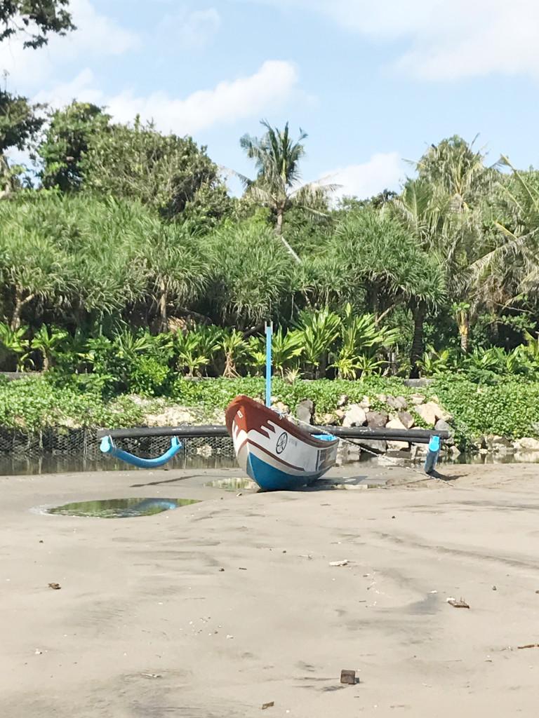 semiyak beach