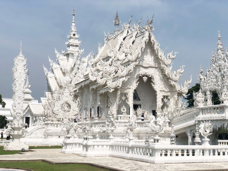 White Temple in Chaing Rai is so beautiful