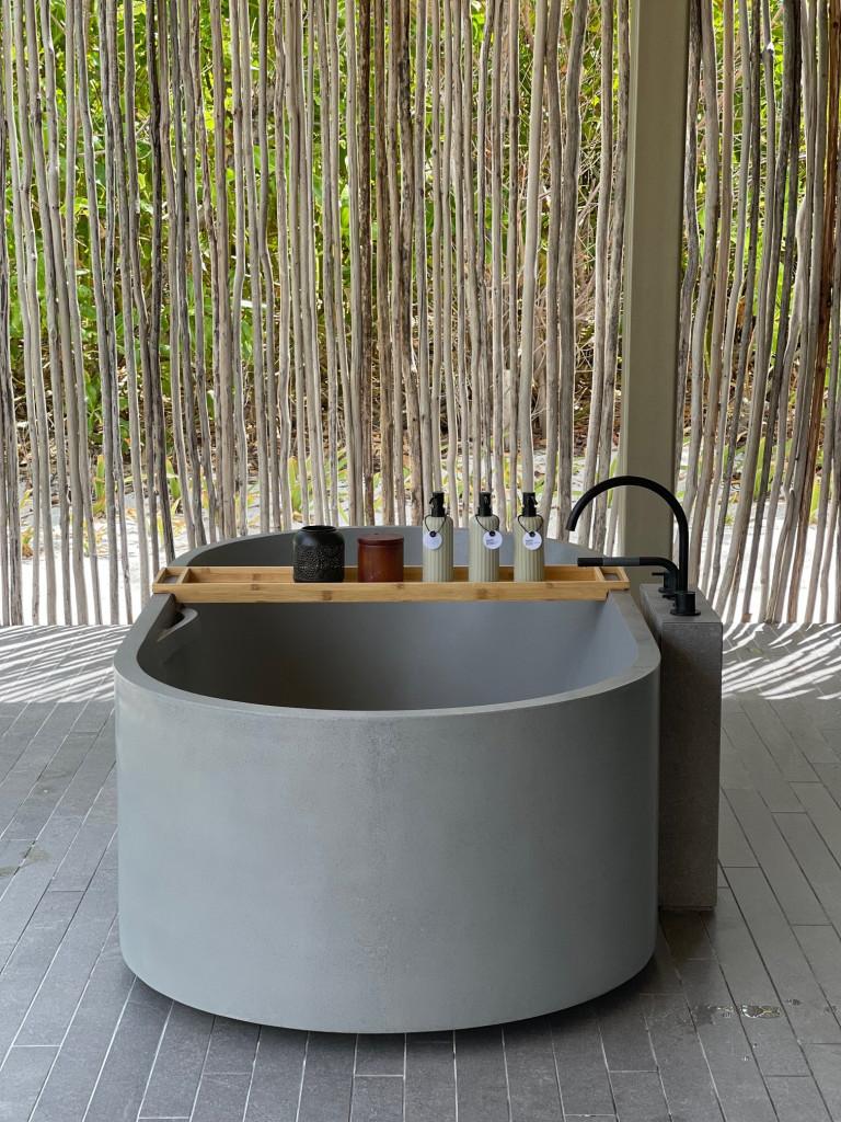 Villa outside bath