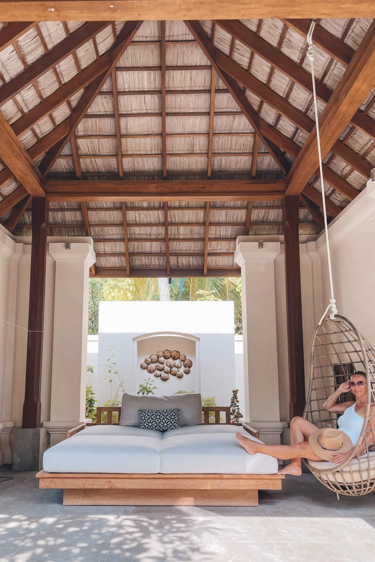 Relaxing area in the one bedroom deluxe beach villa